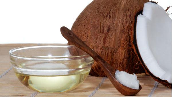 Ngạc nhiên với 10 tác dụng tuyệt vời của dầu dừa