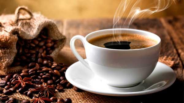Tác hại khi lạm dụng nước trà, cà phê