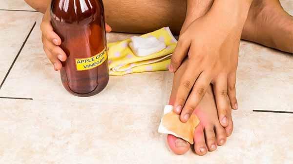 11 mẹo loại bỏ mùi hôi chân hiệu quả