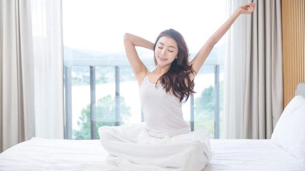 5 lợi ích không ngờ của vươn vai ngay khi thức dậy