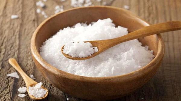 Ăn nhiều muối hay đồ ăn vị mặn có thể dẫn đến suy thận